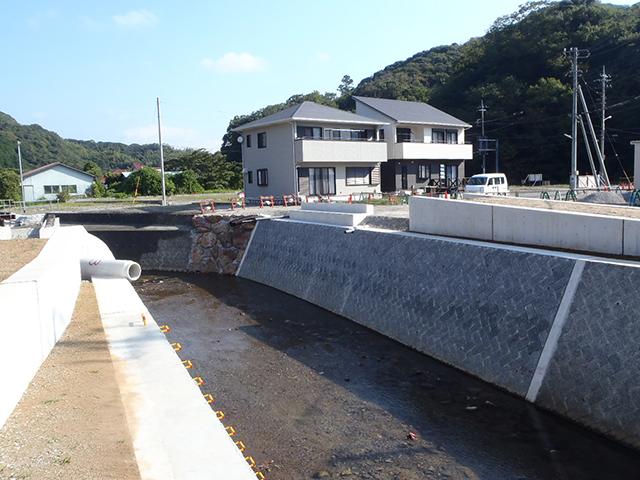 H26二級河川鯉名川(占用橋下部工)